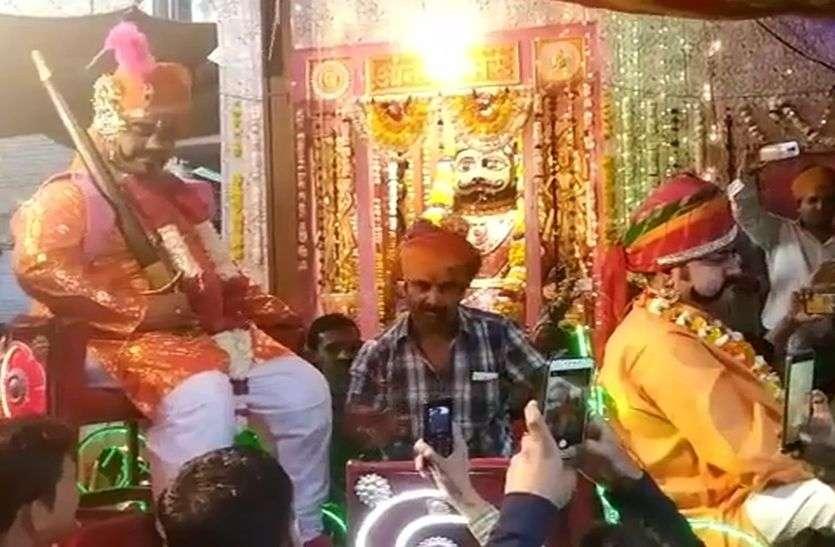 जालोर में डीजे संग निकली आनंद भैरू की बारात