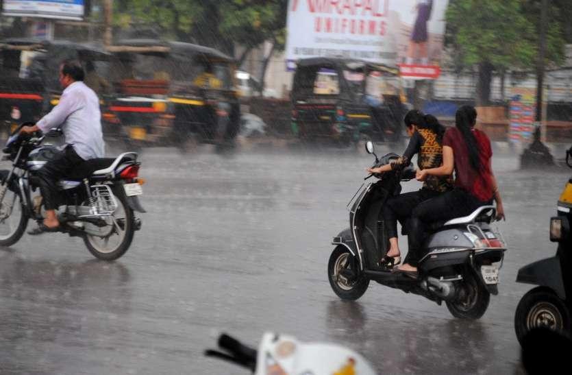 Photo Gallery : बारिश के साथ गिरे ओले तेज बारिश से व्यवस्था अस्त-व्यस्त