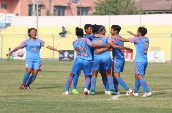 सैफ कप महिला फुटबॉल : बांग्लादेश को रौंदकर भारत फाइनल में, खिताबी मुकाबला नेपाल से