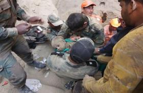 48 घंटे की मशक्कत के बाद बोरवेल से सुरक्षित बाहर निकाला गया डेढ़ वर्षीय 'नदीम खान', मेडिकल चेकअप के लिए भेजा अस्पताल
