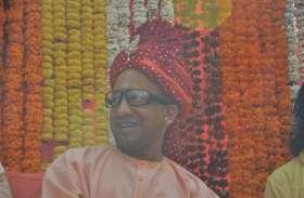 मुख्यमंत्री योगी आदित्यनाथ संग गोरखपुरियों ने खेली होली, देखें तस्वीरें