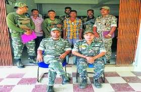माओवादी आइईडी लगाने में एक्सपर्ट जनमिलिशिया कमांडर को पुलिस ने किया गिरफ्तार, कई वारदातों को दे चुका है अंजाम