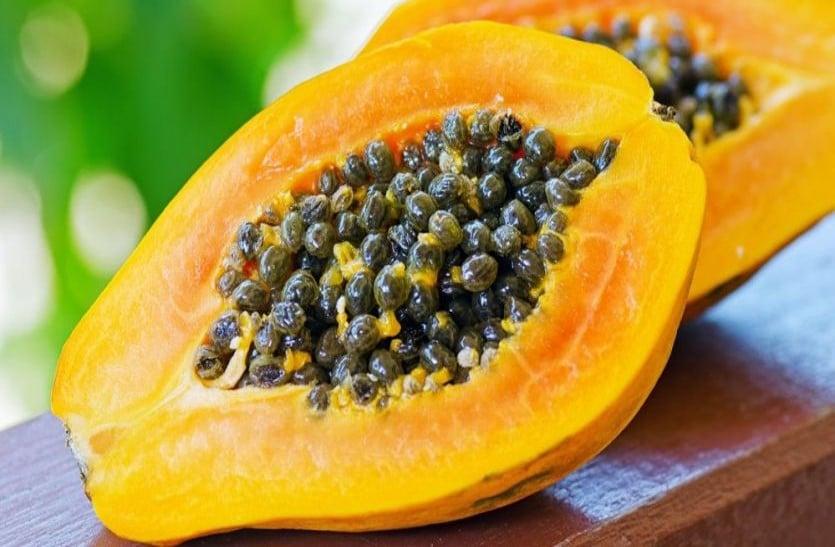 पपीते के फल और बीजों के सेवन से नहीं होंगी कैंसर जैसी बीमारियां, जानें इसके 10 चमत्कारी गुण