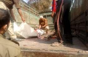 परिवार वाले करने जा रहे थे अंतिम संस्कार, विवाहिता के शव को पुलिस ने कब्जे में लिया