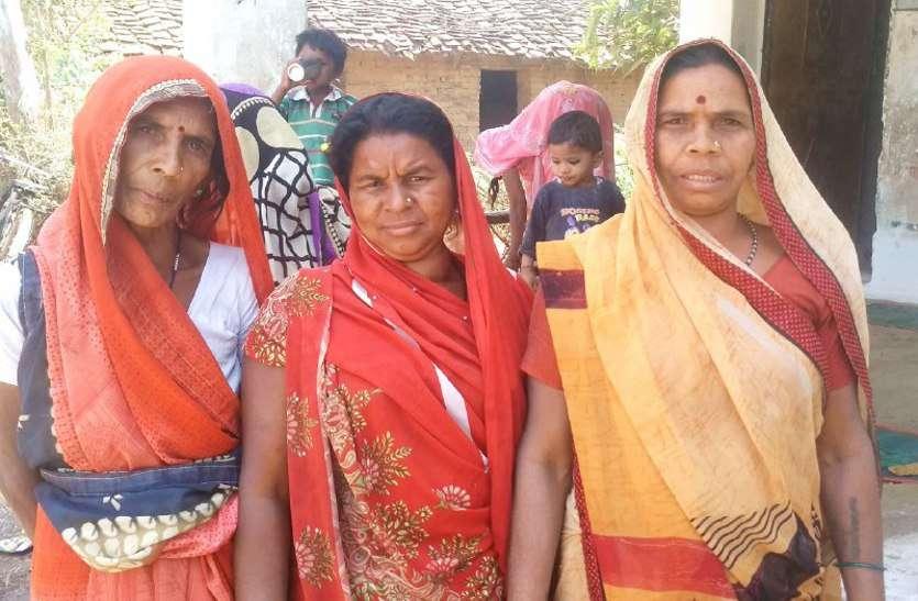 साक्षर हुए एक साल बीता, अबतक नहीं मिला प्रमाण पत्र, इन महिलाओं ने बताई व्यथा