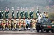 पाकिस्तान: धूमधाम से मनाया जा रहा है नेशनल डे, इमरान खान के भाषण में रही भारत की चर्चा