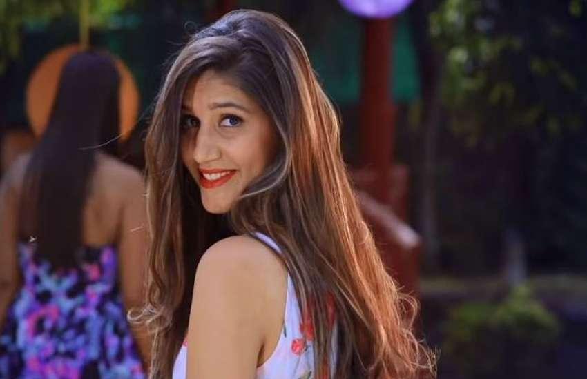 haryanvi-dancer-sapna-choudhary-latest-dance-show-video-stone-pelting