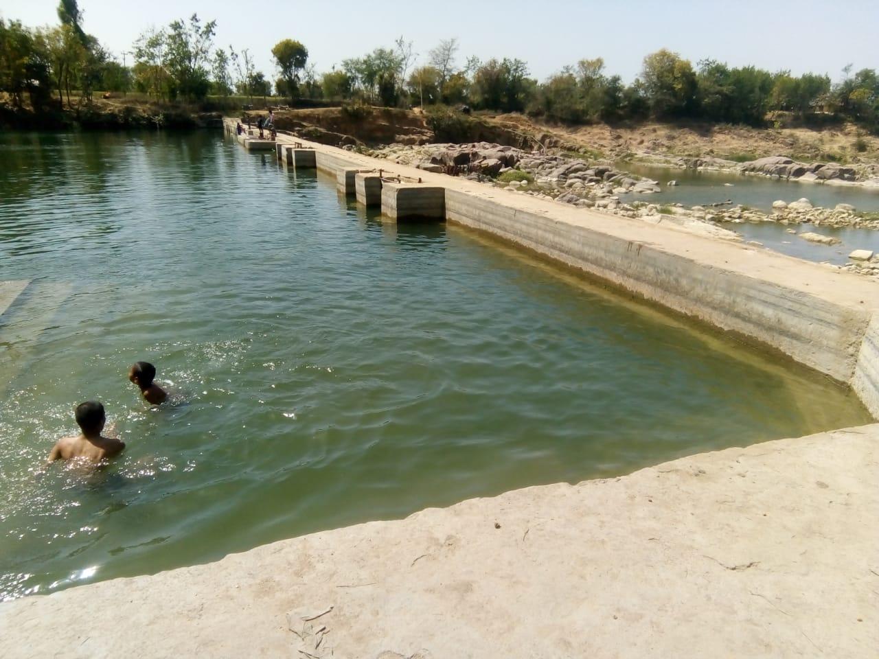 जामनी नदी की टूटी पानी की धार, पेयजल को नहीं सहेजा गया तो होना पड़ेगा परेशान