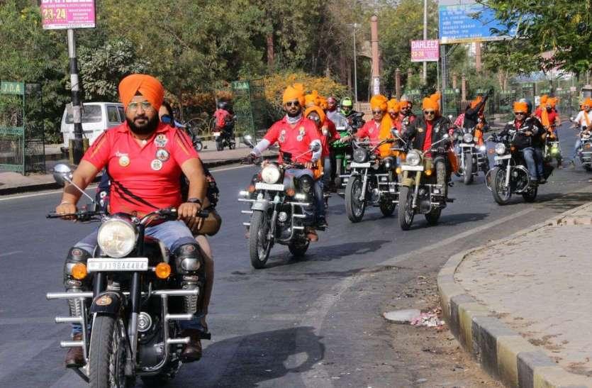 नशा मुक्ति को लेकर बाइक सवारों ने निकाली रैली, देखें तस्वीरें...