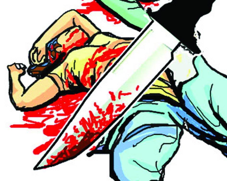 दामाद ने अपने पिता के साथ की ससुर की चाकू घोंपकर निर्मम हत्या