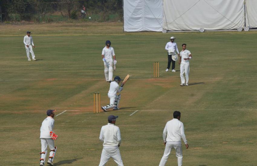 दमोह और छतरपुर की टीम ने पहली पारी में बनाई बढ़त