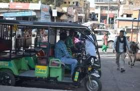 वाहन चालकों में पुलिस का जरा भी भय नहीं