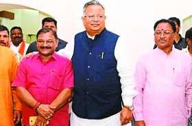 पार्टी ने डॉ. रमन सिंह पर जताया भरोसा कवर्धा के संतोष पाण्डेय को दिया टिकट