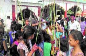 पंतोरा में लट्ठमार पंचमी की परंपरा मार खाने दूर-दूर से पहुंचते हैं लोग