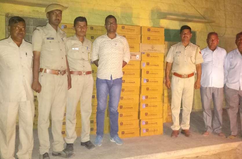 नाकाबंदी तोड़ने के बाद पुलिस ने किया 60 किमी तक पीछा, वाहन समेत जब्त की भरी मात्रा में अवैध शराब