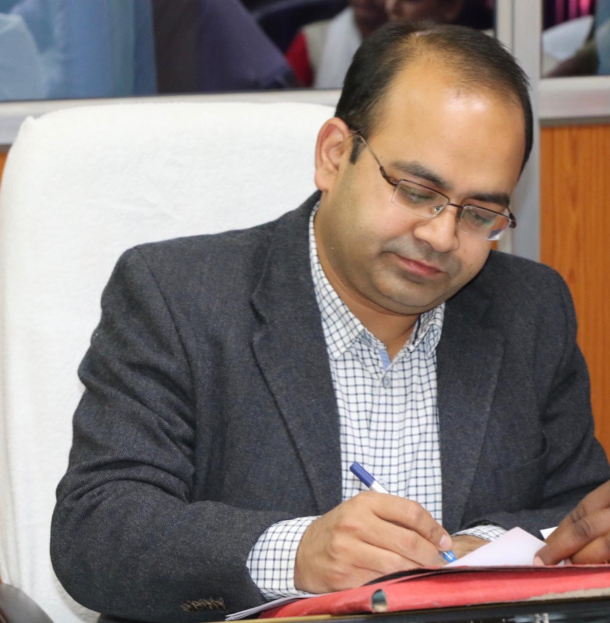 निर्वाचन प्रशिक्षण में अनुर्तीण हुए 27 सेवक, कम अंक पाने पर कलेक्टर ने थमाई नोटिस