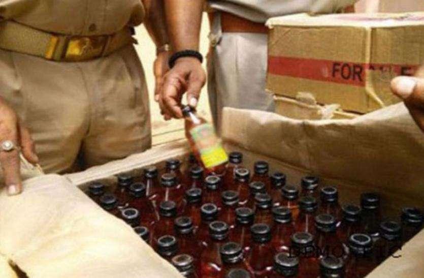 Video : चुनाव में बंटने के लिए गुजरात जा रही 35 लाख की अवैध शराब जब्त