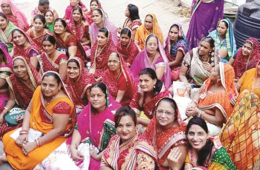 राजस्थानी महिलाओं ने की दशामाता की पूजा