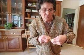 PHOTOS: 75 साल की महिला ने किया अनोखा काम, प्लास्टिक बैग से बनाई ड्रेस