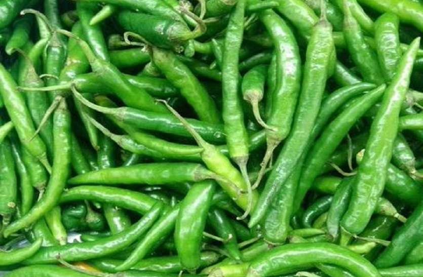 हरी मिर्च के उत्पादन में कमी के कारण कीमत तेज