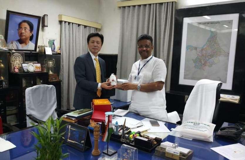 कोलकाता के मेयर को चीन में न्योता