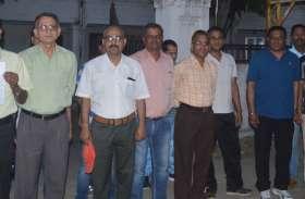छात्रों की हरकत से परेशान शिक्षक पहुंचे एसपी के पास, बचाने लगाई गुहार