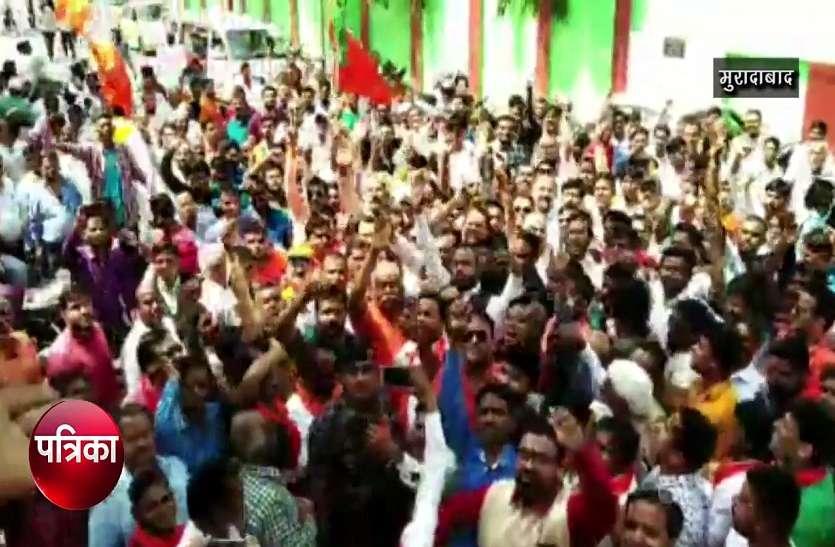 VIDEO:भाजपा उम्मीदवार हजारों गाड़ियों के काफिले के साथ पहुंचे नामांकन कराने,विरोधियों के उड़ गए होश