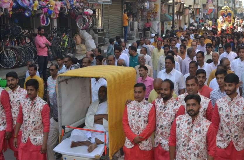 पहली बार भगवान आदिनाथ के जन्म व दीक्षा दिवस पर भव्य रथयात्रा का आयोजन