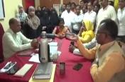 परीक्षा से किया वंचित तो आक्रोशित उर्दू शिक्षकों ने किया हंगामा