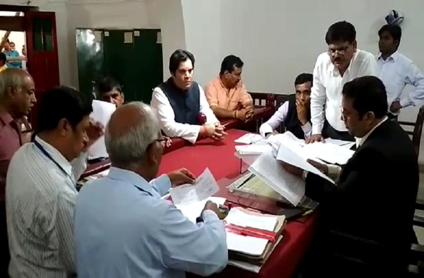 वरुण गांधी ने कराया नामांकन, पीएम मोदी के लिए कह दी बड़ी बात- देखें वीडियो