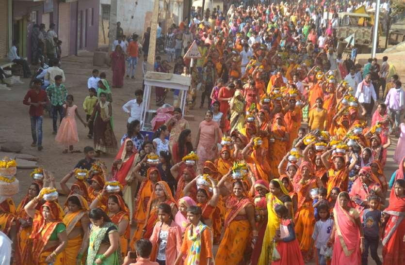 धूमधाम से निकली मां कर्मादेवी की शोभायात्रा