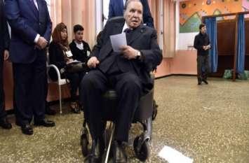 अल्जीरिया: राष्ट्रपति अब्देल अजीज बुटफ़्लिका ने पेश किया इस्तीफा, 28 अप्रैल तक छोड़ेंगे पद