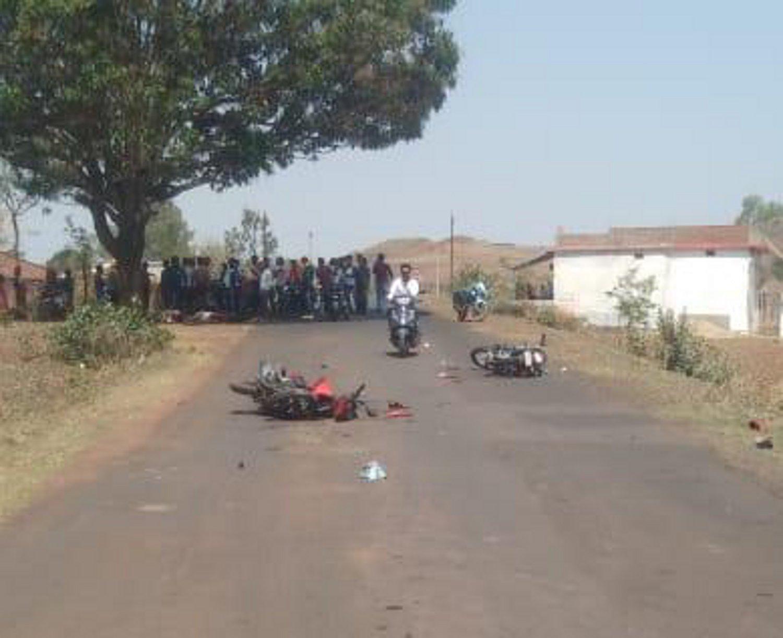 दो बाइकों की आपसी भिडंत में दो सवारों की मौत, एक गम्भीर