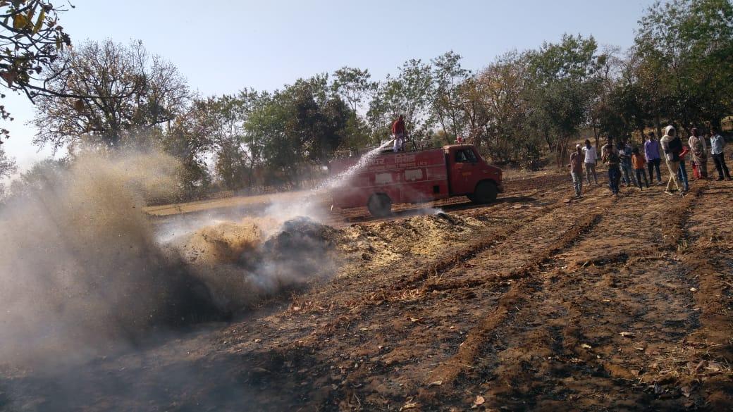 शॉर्ट सर्किट से लग रही भूसा और जगलों में आग