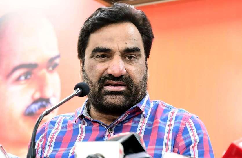 ' कांग्रेस के साथ आते तो मंत्री बन सकते थे' बयान को लेकर CM गहलोत आैर हनुमान बेनीवाल में जुबानी जंग