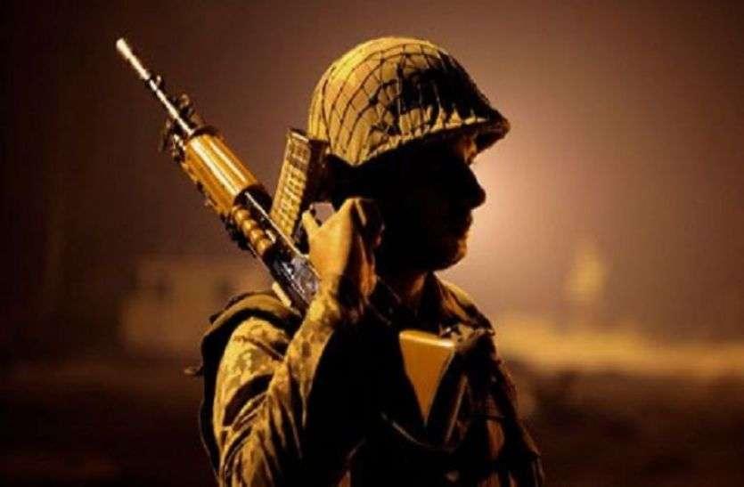 देश की सीमाओं पर 19 वर्ष सेवा देकर घर लौटा पूर्व सैनिक, अब बैंककर्मी कटवा रहे हैं चक्कर