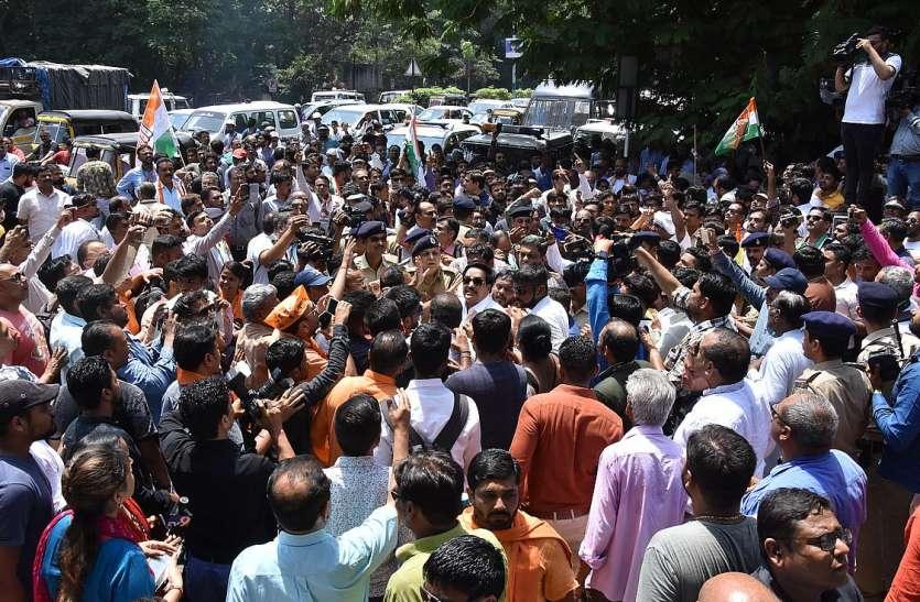 कलेक्टर कार्यालय पर भाजपा व कांग्रेस कार्यकर्ताओं में झड़प