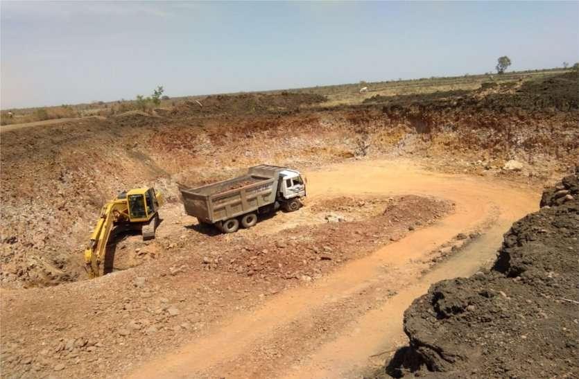 खनिज के अवैध परिवहन के खिलाफ चलाया अभियान, रेत, गिट्टी, कोयले के आठ वाहन जब्त
