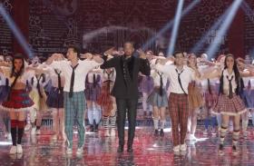 'स्टूडेंट ऑफ द ईयर 2' के राधा गाने का टीजर रिलीज : अनन्या और तारा के साथ हॉलीवुड स्टार विल स्मिथ का शानदार डांस