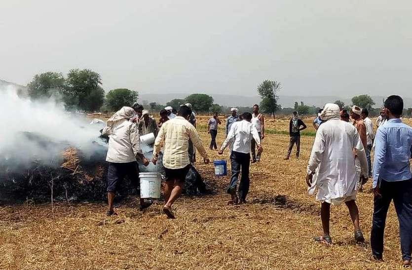 राजस्थान के इन कस्बों में अचानक किसानों के निकल पड़े आंसू....