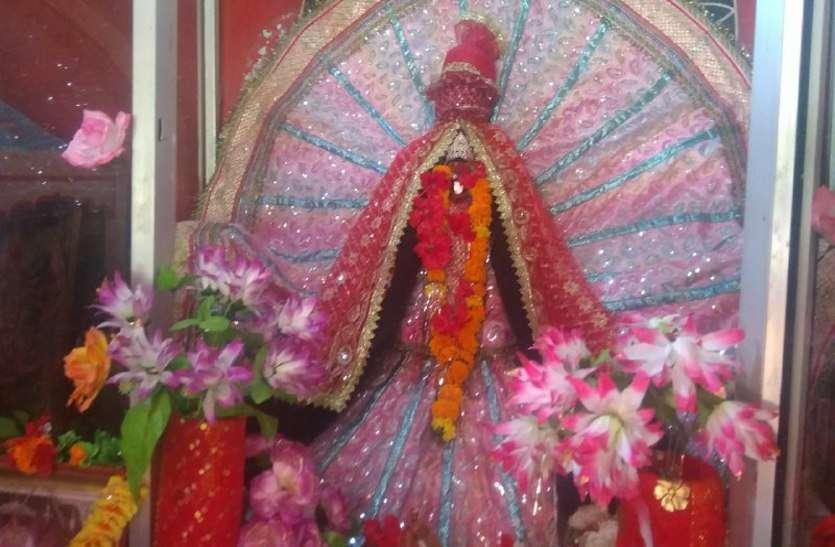 चैत्र नवरात्र पर विशेष: खौलते तेल में कूदा यह शख्स, देवी की महिमा देखने उमड़ पड़े लोग