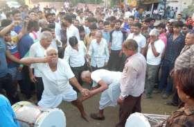 इस लोकोत्सव में मूंछों पर ताव और बाजुओं की फडकन देखकर हर कोई रह गया दंग
