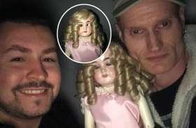 गुड़िया के साथ ले रहे थे सेल्फी तभी कैमरे में कैद हो गया भयानक नजारा