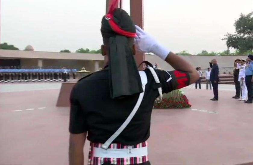 president ramnath kovind at war memorial