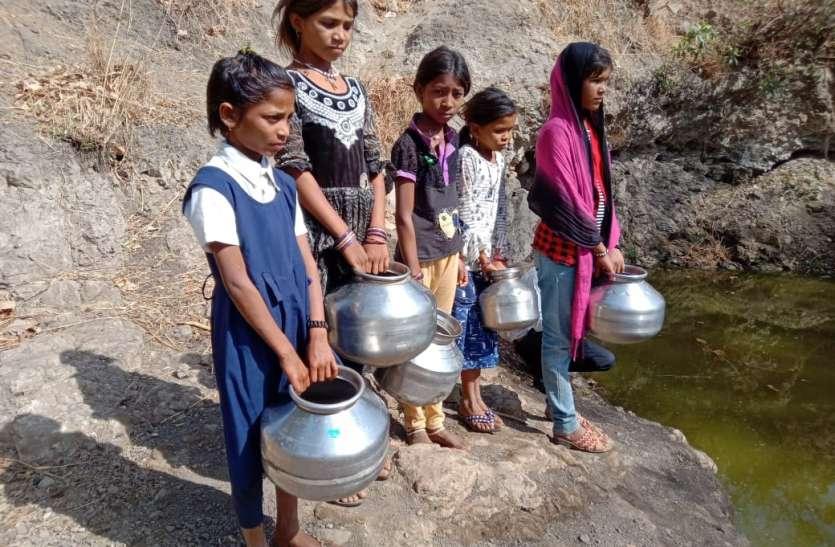 VIDEO : जिस नाले में जानवर बुझाते हैं प्यास, उसका पानी पीने को मजबूर यहां के लोग