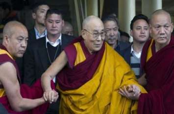 तिब्बती धर्मगुरु दलाई लामा की बिगड़ी तबीयत, सीने में संक्रमण के बाद दिल्ली के अस्पताल में भर्ती