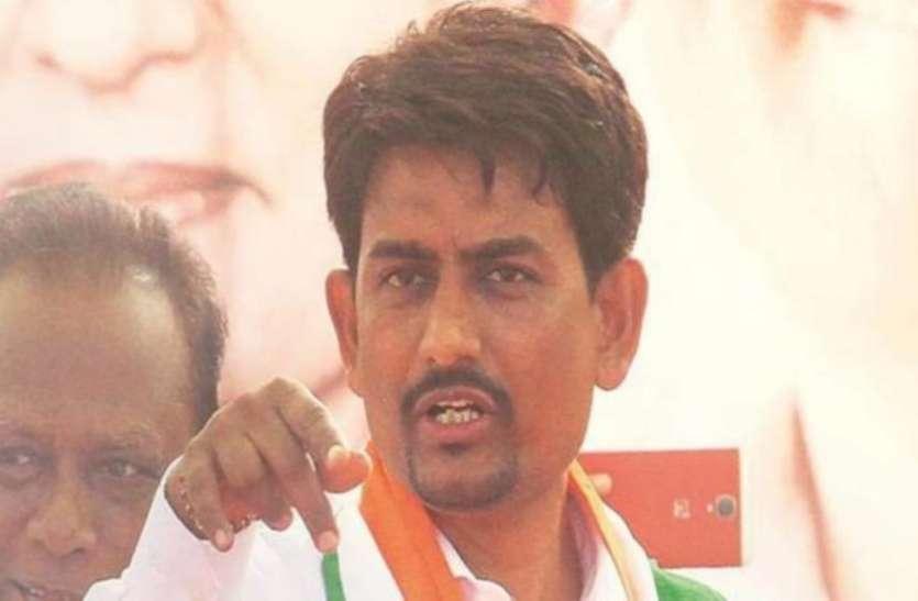 गुजरात में सियासी भूचाल, अल्पेश ठाकोर के साथ दो और विधायकों का कांग्रेस से इस्तीफा