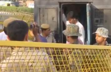 VIDEO:दिल्ली लाया गया अलगाववादी नेता यासीन मलिक, 22 अप्रैल तक NIA रिमांड पर