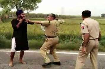 सिख युवक के इस विकराल रूप को देखकर पुलिसवालों की सिट्टी-पिट्टी हुर्इ गुम, देखें वायरल वीडियो