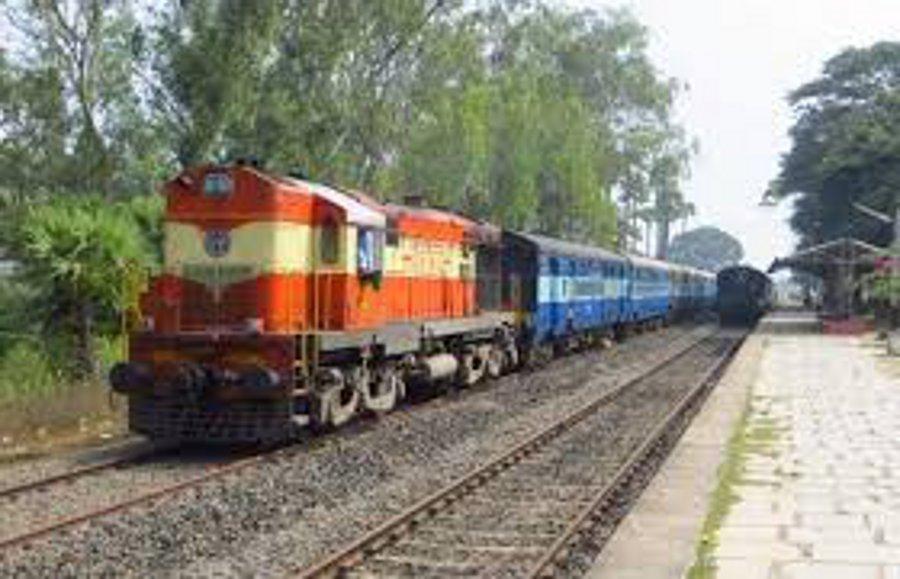 रायपुर से मुंबई का सफर हुआ ठप, ट्रेन में सफर करने से पहले जरूर पढ़ ले ये खबर